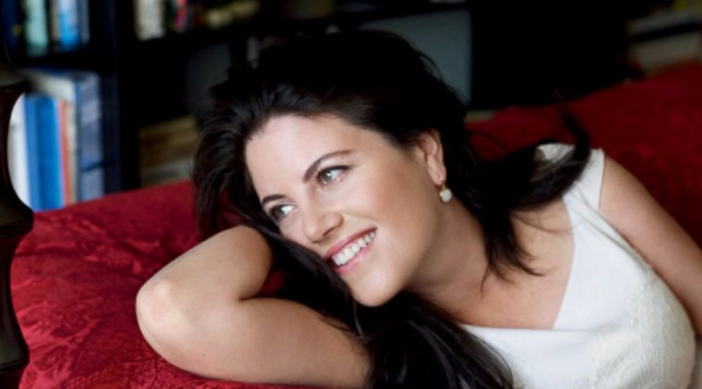 Monica Lewinsky smiling, she has a bob cut