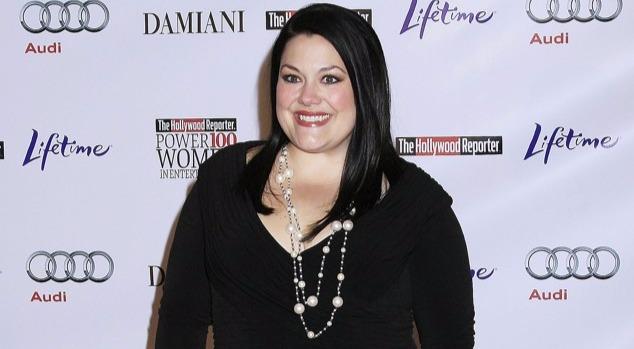 Brooke Elliott looks hot in black dress