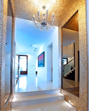 The hallway of Bea Alonzo's house.