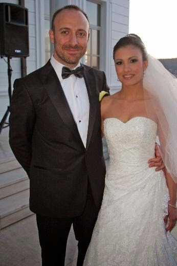Gizem Soysaldi and Halit Ergec dressed as a bride and a groom. They were married for nine months from 2007 to 2008.