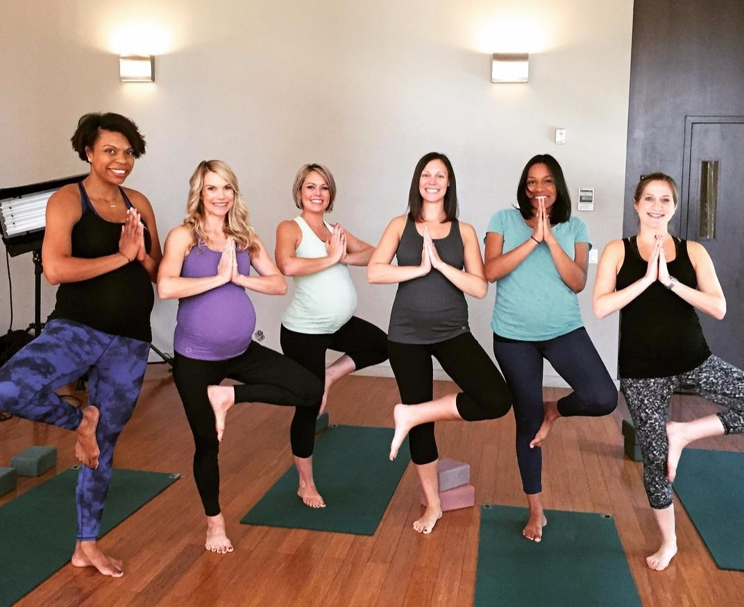 Pregnant Dylan dreyer doing yoga