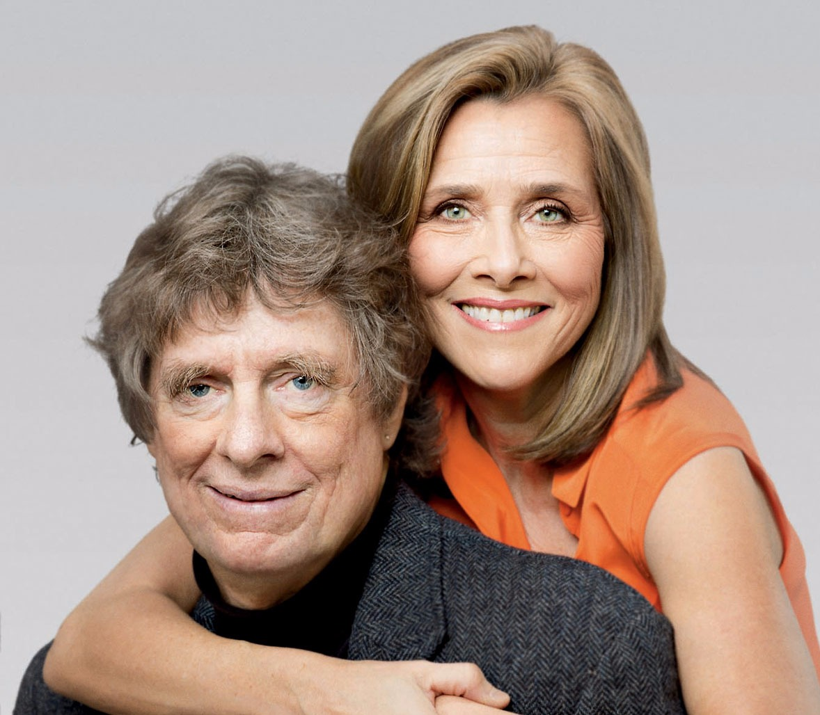 Meredith Vieira hugs husband Richard M. Cohen as they pose for a picture