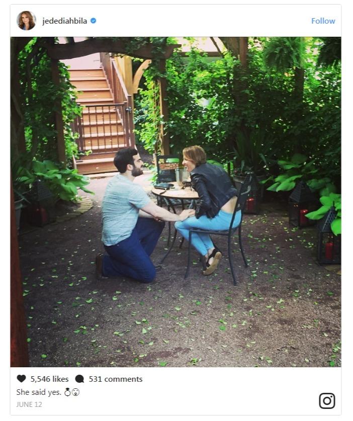 Jedediah Bila's boyfriend is seen getting on a knee and proposing her.