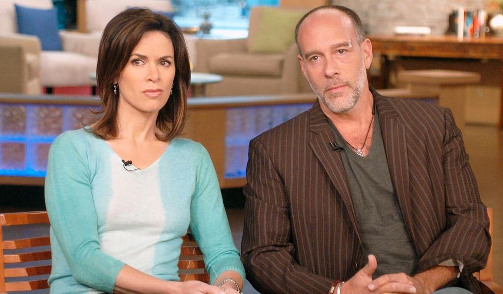 Elizabeth Vargas (left) with ex-husband Marc Cohn (right)
