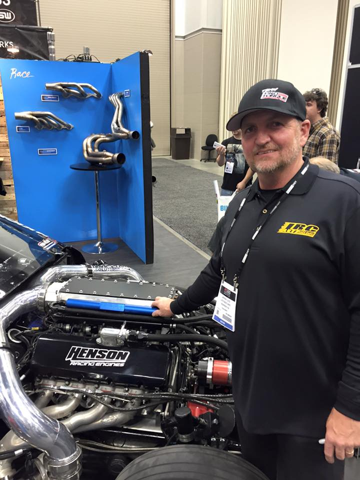 Jeff Lutz is repairing his car for race on Street Outlaws