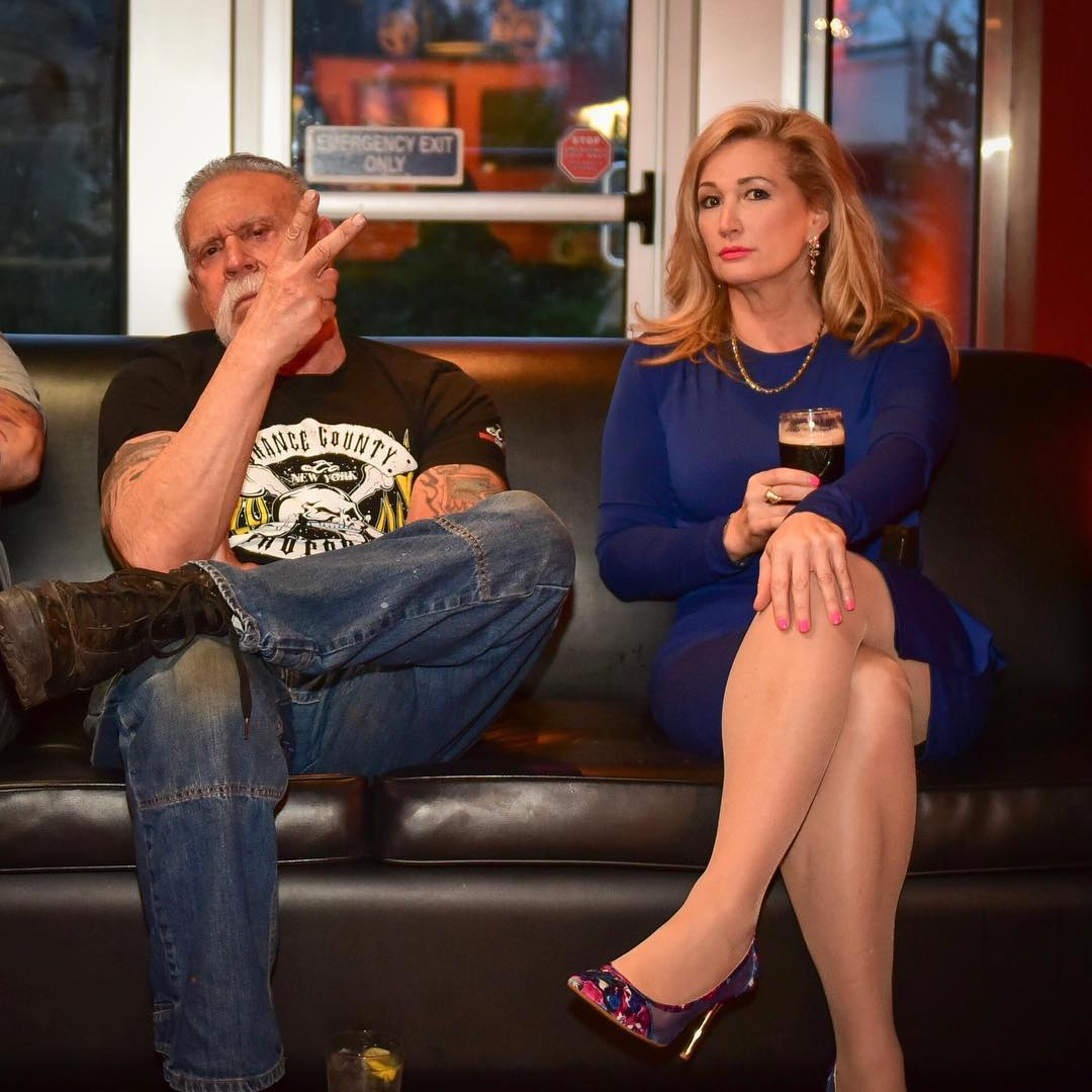 Joannie Kay and her boyfriend, Paul Teutul Sr. sitting on the couch