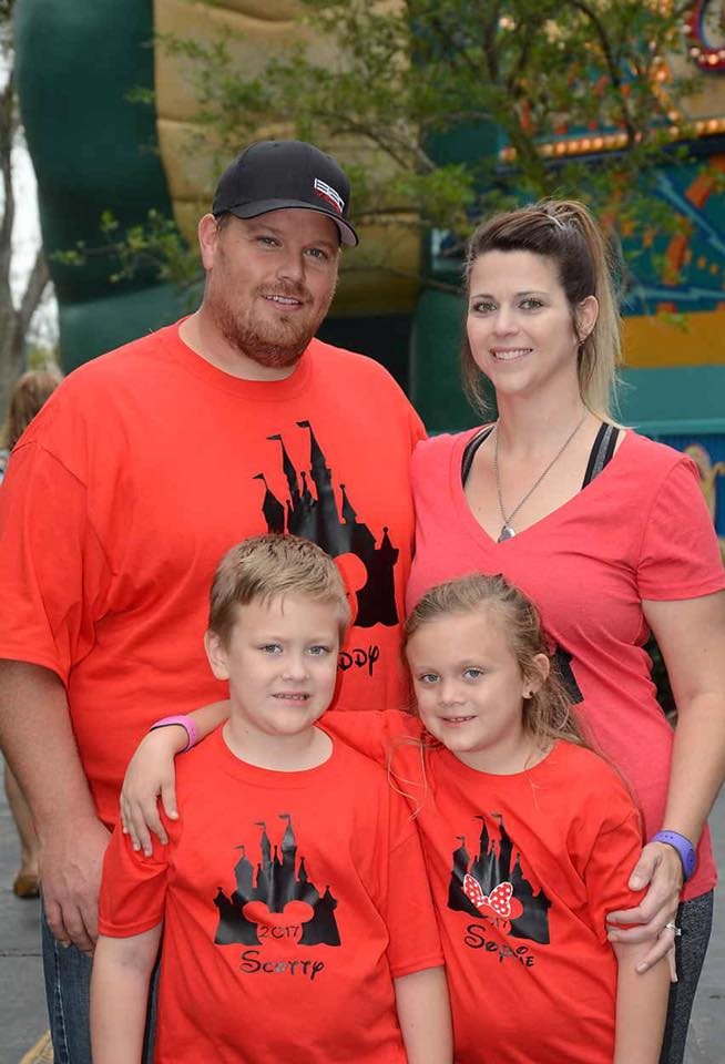 Scott Taylor alongside with his wife Heather Taylor and his twin children Scotty and Sophie.