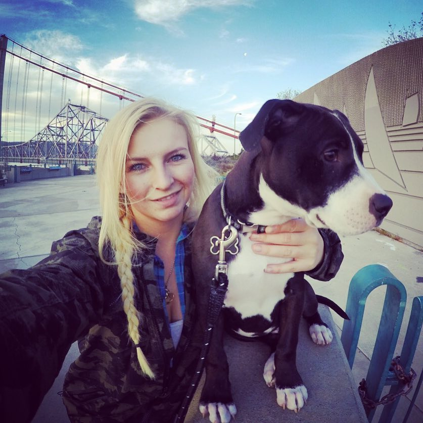 Mandy Hansen and her dog