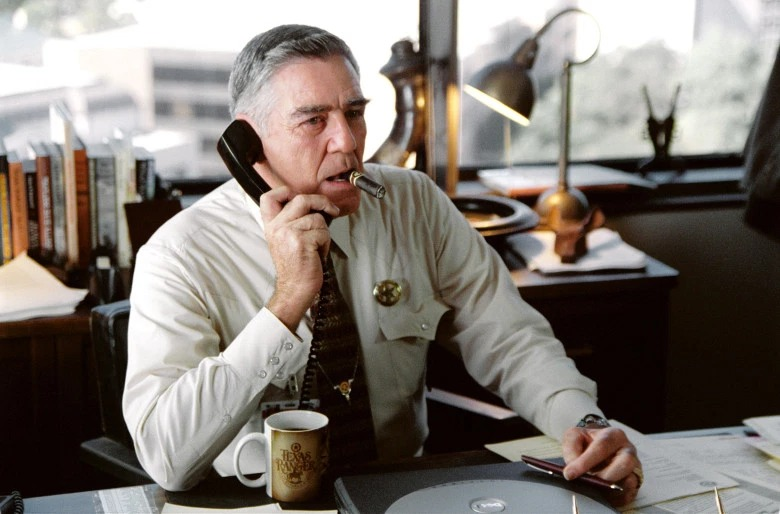 R. Lee Ermey is puffing his cigarette