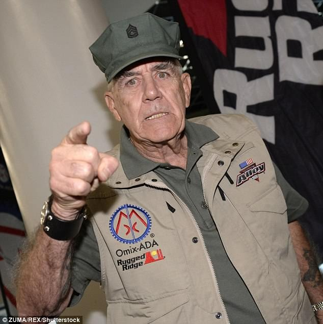 R. Lee Ermey is pointing his finger in camera