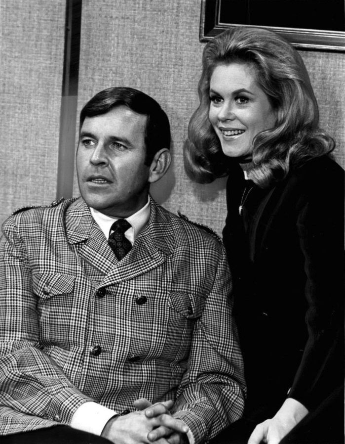 Elizabeth Montgomery and Dick York on the set of Bewitched