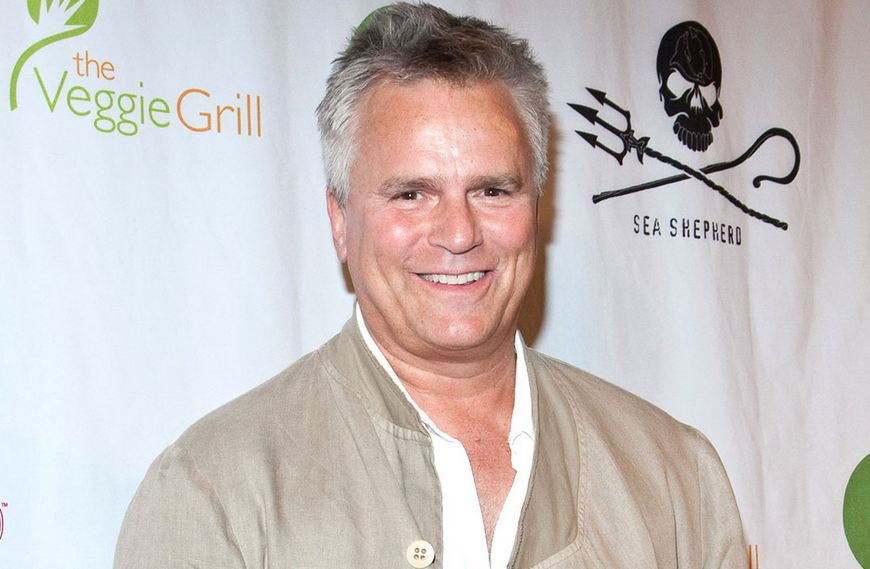 A picture of a much older Richard at a red carpet eventt