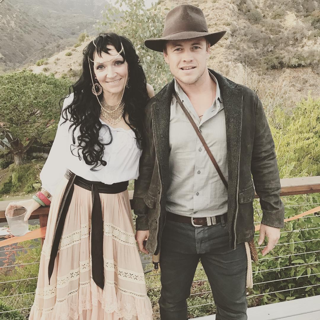 Samantha Hemsworth and Luke Hemsworth dressed for Halloween
