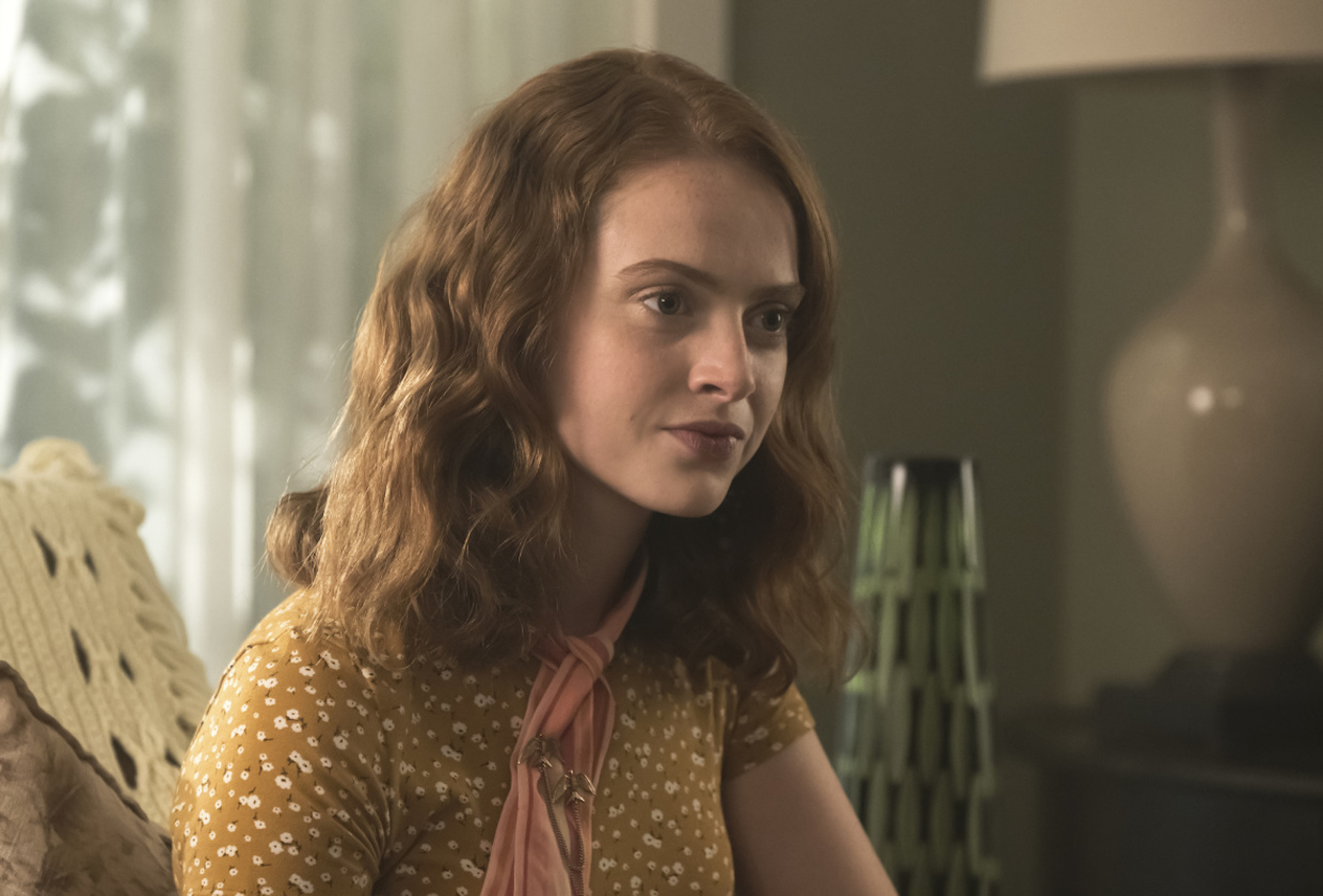 Zoe De Grand Maison in one of her scenes in Riverdale, where she plays the Farm's leader's wife, Evelyn Evernever