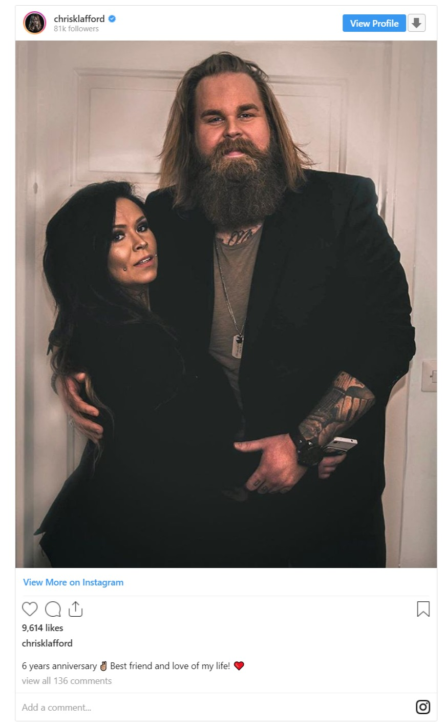 Chris Kläfford's posted a sweet picture of his girlfriend, Bob Linger on Instagram on their 6-year anniversary in February 2019.