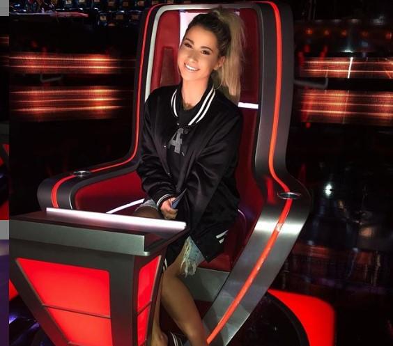 Singer Katelyn Jae on The Voice