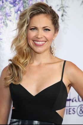Actress Pascale Hutton in one of the Hallmark Channel Events