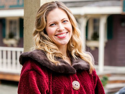Actress Pascale Hutton as Rosemary LeVeaux-Coulter in TV series When Calls the Heart