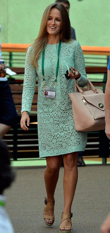 Kim Sears gorgeous in a mint green Victoria Beckham-designed dress at Wimbledon 2013