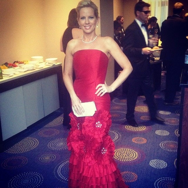 Shannon Bream is looking stunning in her long red gown, her face, her body, her smile everything looks perfect.
