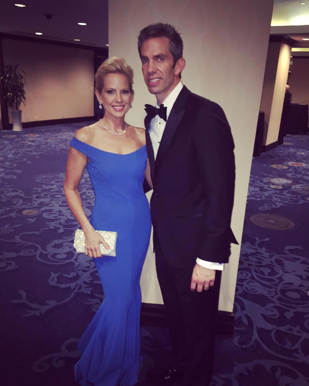 Shannon Bream and Sheldon Bream are dressed all classy, Shannon is looking gorgeous in her blue gown.