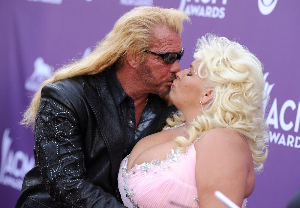 Beth and Duane kissing
