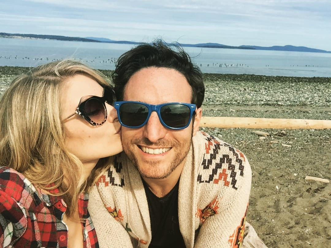 The Bold and the Beautiful fame Kim Matula kissing on her boyfriend, Ben Goldberg's cheeks while taking a selfie.
