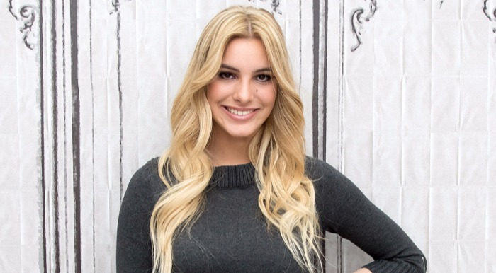 Popular Viner and YouTube celebrity, Lele Pons. She looks beautiful with a beauty mark below her left eye.