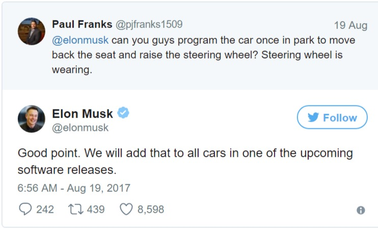 Elon Musk replies to a customer's tweet