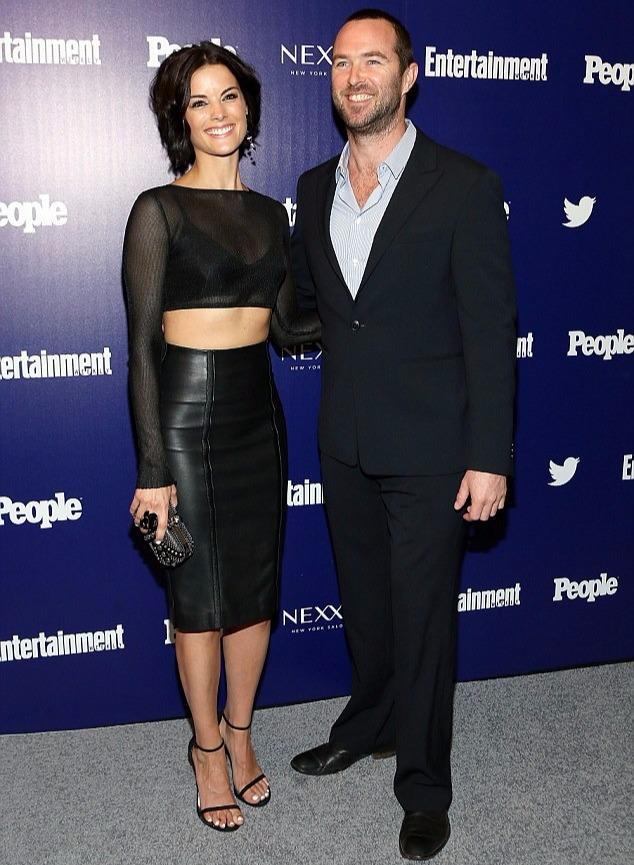 Sullivan Stapleton with co-star Jaimie Alexander