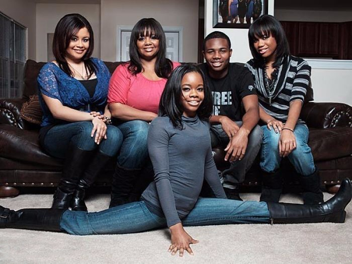 Gabby Douglas's family picture. From left to right: Arielle Hawkins, Natalie Hawkins, Johnathan Douglas, Joyelle Douglas and Gabby Douglas in front