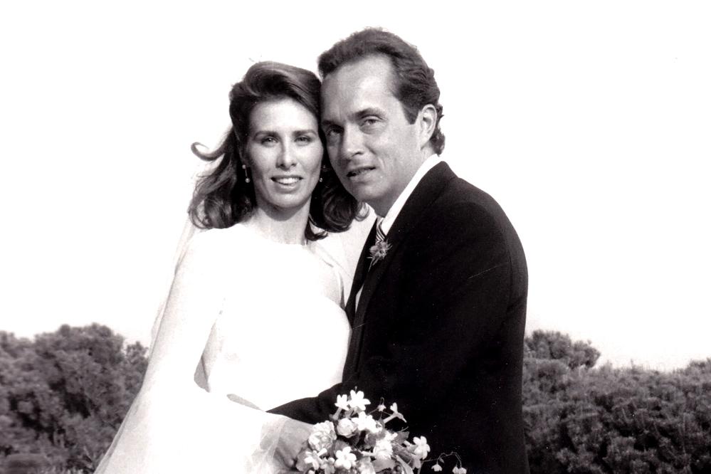 A wedding picture of Anthony Radziwill and Lee Radziwill