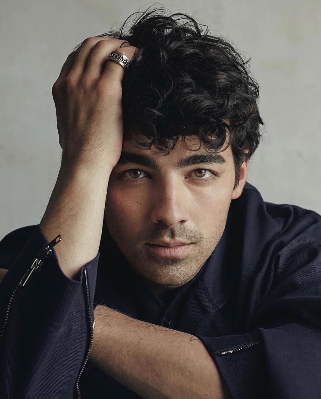 Joe Jonas' potrait picture