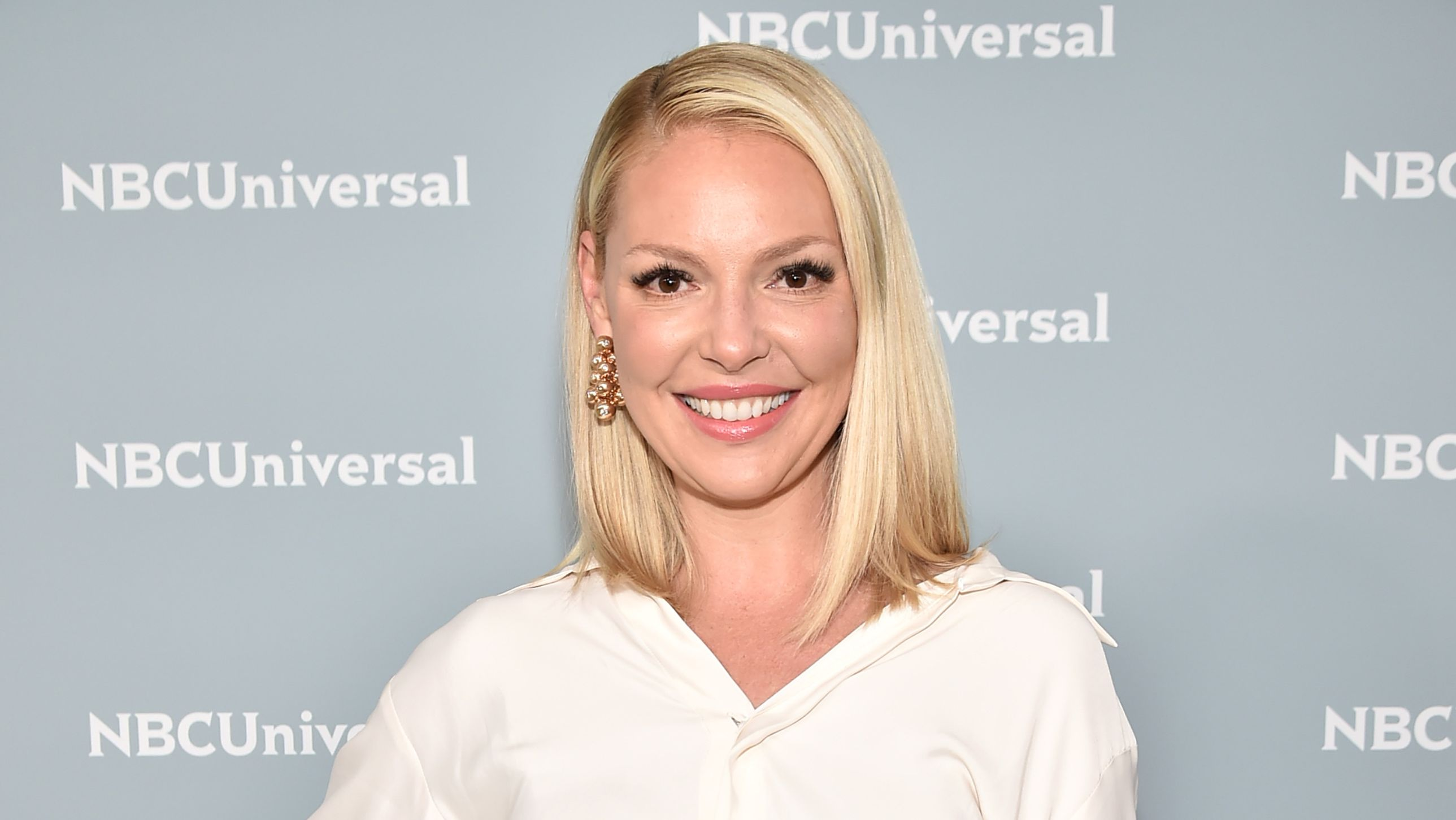 Katherine Heigl at NBC Universal Upfront in 2018. Katherine Heigl portrayed the role of Dr. Izzie Stevens in the medical drama, Grey's Anatomy