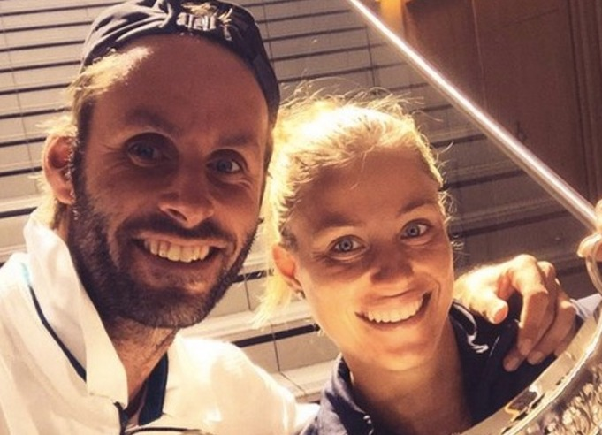 Angelique Kerber and coach Torben Beltz smile as they take a picture