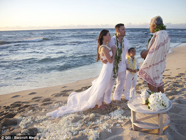 Megan Fox and Brian Austin are on the beach on their wedding day.