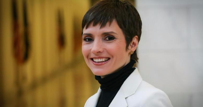 Catherine Herridge in short haircut
