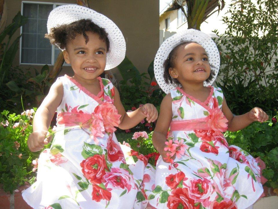 Cute twin daughters of Deon richmond