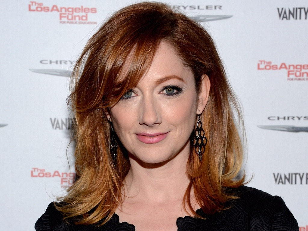 Judy Greer is the actress who played a recurring character in sitcom Two and a Half Men