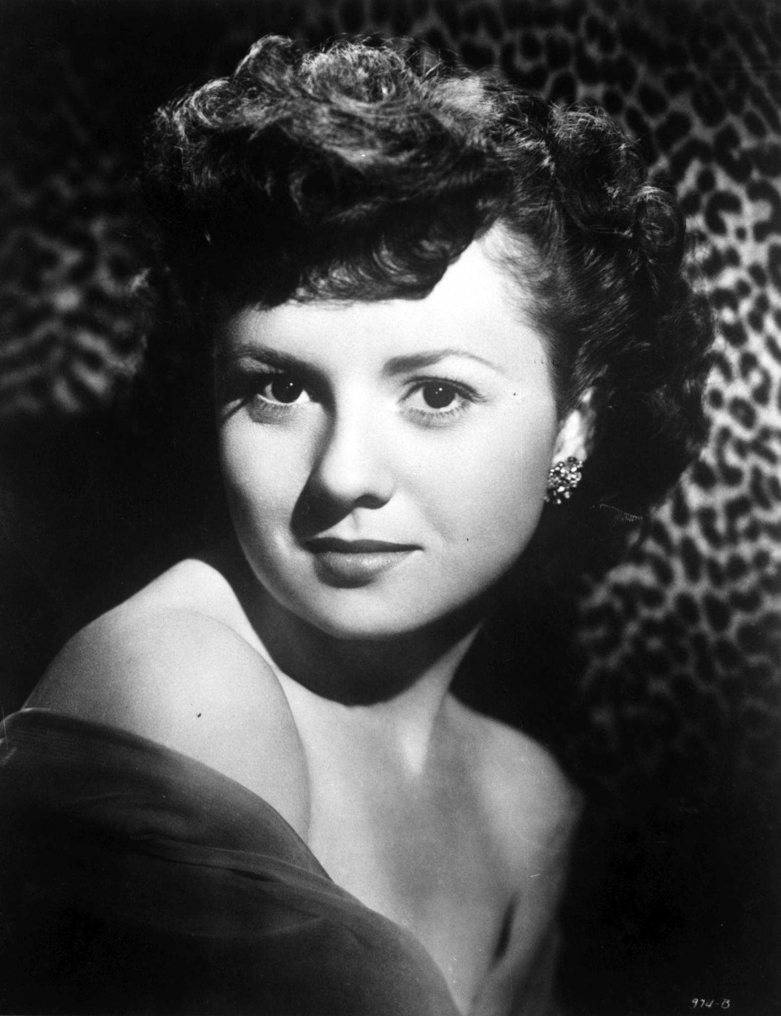 B&W photo of Betty Lynn