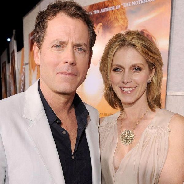 Helen Labdon standing close to husband Greg Kinnear, they live a happy married life since 1999.