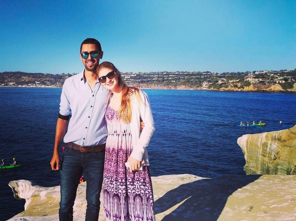 Jennifer Katherine Gates spending quality time with boyfriend Nayel Nassar. They stand close to each other in a big rock by the the ocean. They have put on their sunglasses and seem to be in a holiday mood.