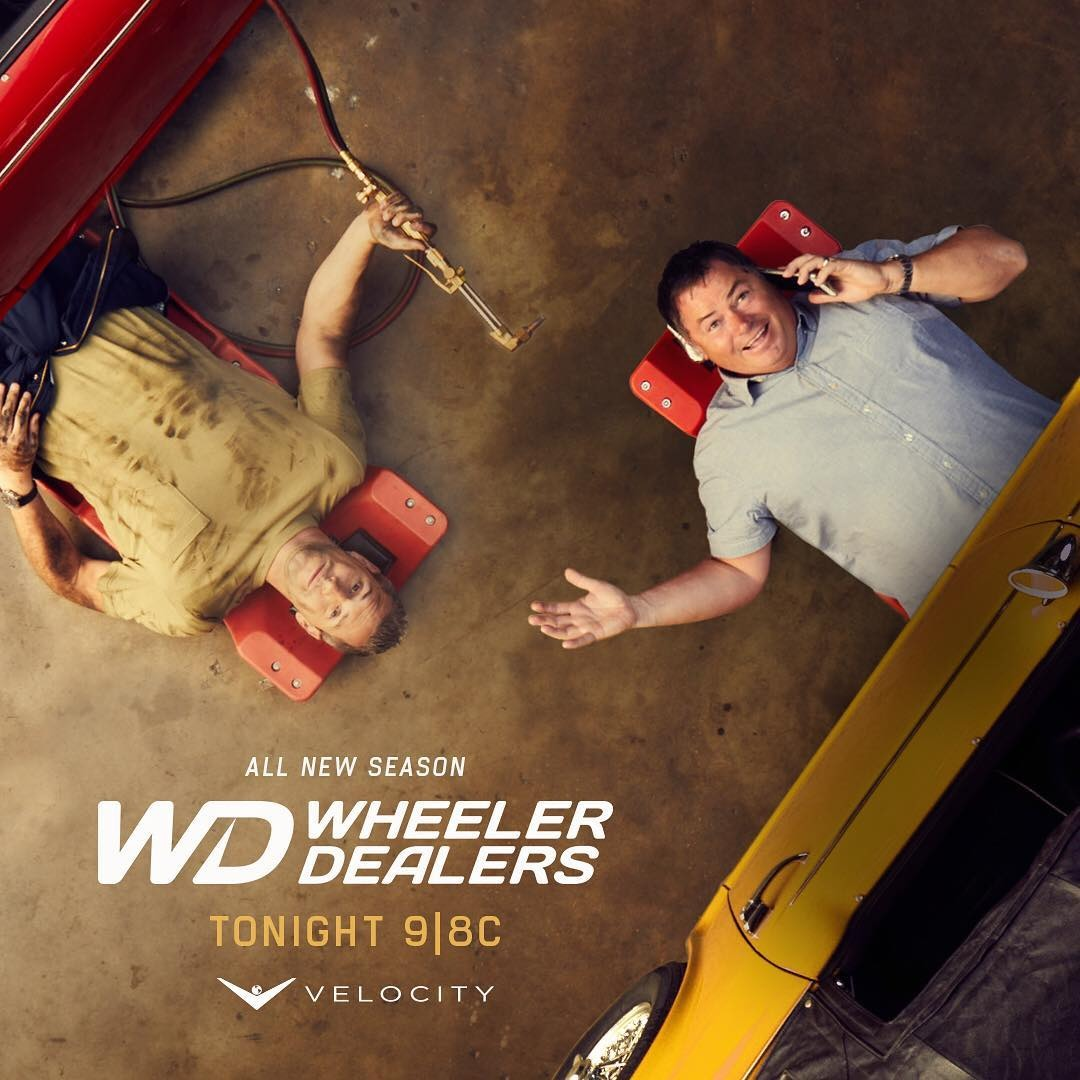 This is the promotion cover of Wheeler Dealer. Mike Brewer and Ann Anstead are fixing the cars.
