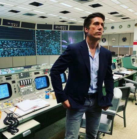 David Muir took the picture in Apollo 11 mission control room
