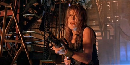 This image has an empty alt attribute; its file name is Linda-Hamilton-Sarah-Connor.jpg