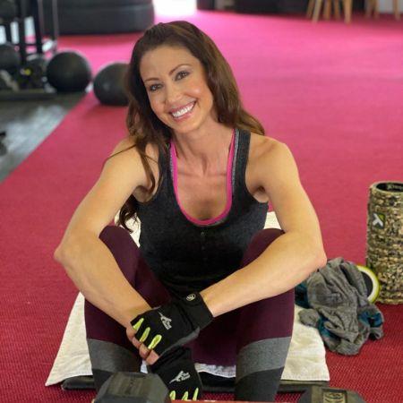 Shannon Elizabeth at the gym