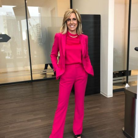 Alisyn Camerota posing for a picture