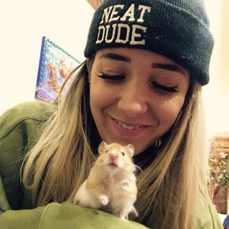 YouTuber Jenna Mourey with her hamster