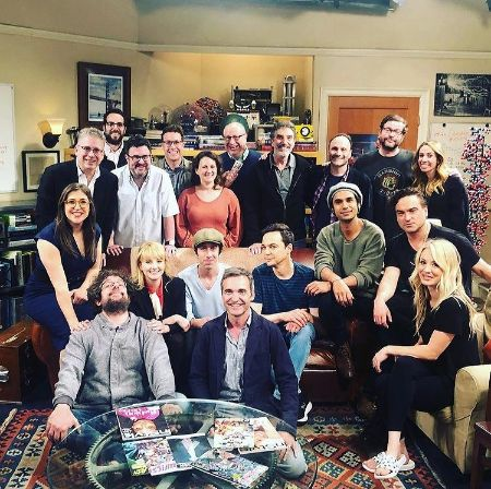Chuck Lorre with the cast of The Big Bang Theory