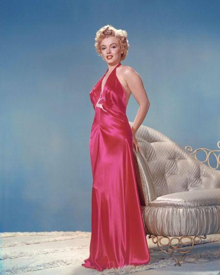 Marilyn Monroe posing for a photo